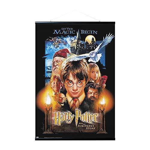 ERIK - Pack Póster Harry Potter y la piedra filosofal con colgador de madera magnético, vertical (61x91,5 cm)