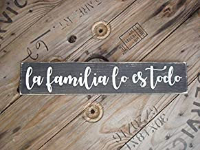 Iliogine Home Plaque Sign Mexican La Familia Lo ES Todo Spanish Country Home Art for The Hispanic House Latino Wedding Decoration Family is Everything Wooden Sign Decorative