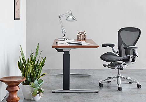 [Review] Steelcase Leap vs. Herman Miller Aeron: A Head To Head Comparison