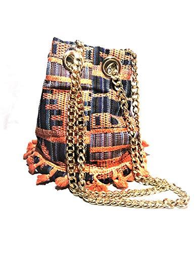 bolso de mujer moderno con asas metalicas bandolera de hombro o mano. bolso de verano