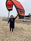 S< Surf Poncho für Männer & Frauen mit Namen bestikt - Persönliche Stickerei -100% Baumwolle/Terry - Langer Surfponcho in 4 Farben (L/XL, Schwarz)