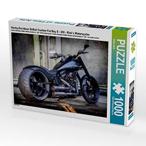 CALVENDO Puzzle Harley-Davidson Softail Custom Fat Boy S - 300 - Rick's Motorcycles 1000 Teile Lege-Größe 64 x 48 cm Foto-Puzzle Bild von Volker Wolf