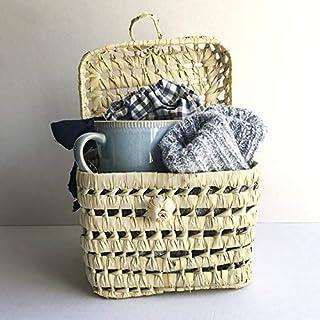 CESTA REGALO Casa, descanso y relax. Regalos personalizados con mucho mimo. Taza, calcetines de algodón y bolsa de meriend...