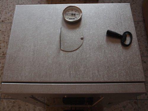 Smoki–Forno affumicatore, 70x 39x 26cm con finestrella in lamiera di acciaio Fal -