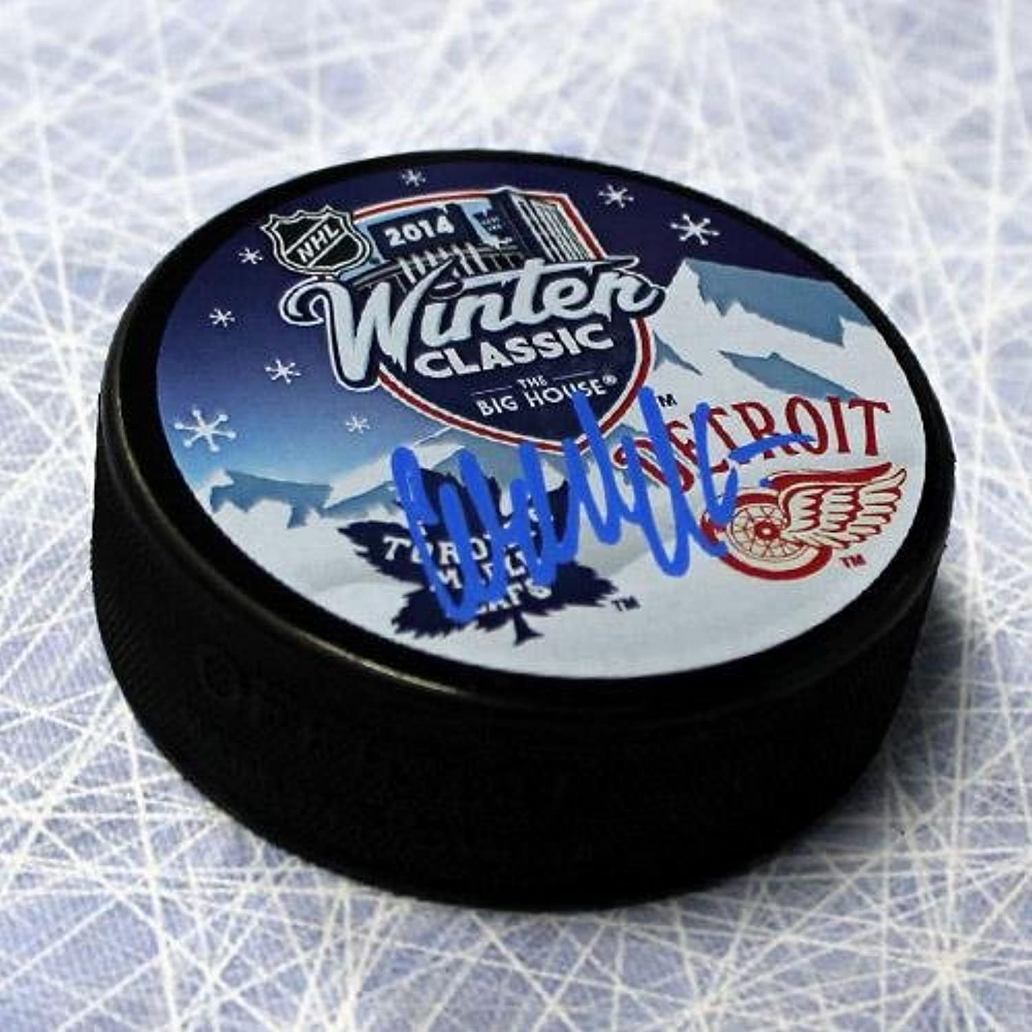 Autographed Wendel Clark Hockey Puck  2014 Winter Classic  Autographed NHL Pucks