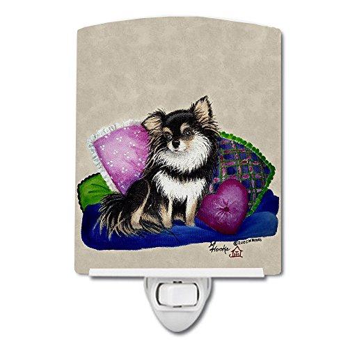 Caroline's Treasures MH1012CNL Chihuahua en su sofá - Luz nocturna de cerámica, 6 x 4 x 3, multicolor