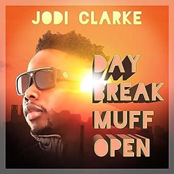Day Break Muff Open