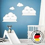 Wandtattoo Wolken in weiß mit Augen für IKEA Regalbrett Ribba/Mosslanda 55 cm Bilderleiste für Babyzimmer Kinderzimmer – Aufkleber für Wand Tapete