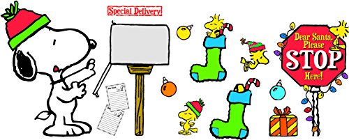 Eureka Snoopy Christmas Special Delivery Bulletin Board Sets (847606)