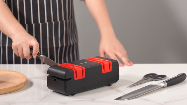 15% discount on an electric knife sharpener