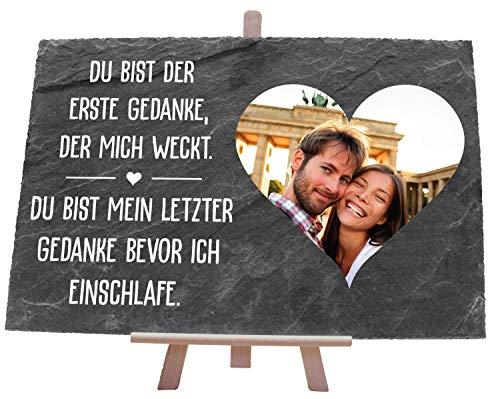 wandmotiv24 Schieferplatte mit Staffelei personalisiert mit Foto, Name, 30x20cm (BxH), personalisierte Geschenke zum Valentinstag, Hochzeit, Jahrestag, Geschenkidee für Ihn und Sie M0017