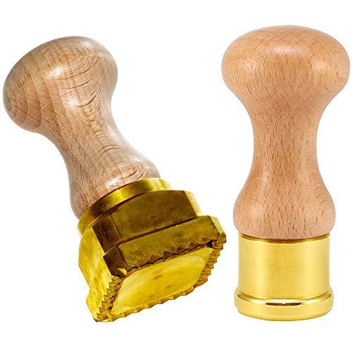 LaGondola Bundel: Ronde Anolini Cappelletti Stempel Rond 38 mm en Vierkant Professionele Ravioli Snijder 45x 45 in messing en natuurlijk hout