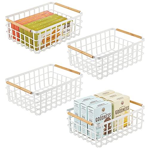 mDesign großer Allzweckkorb aus Metall – Aufbewahrungskorb für Küche, Vorratskammer etc. – kompakter und universeller Drahtkorb mit integrierten Bambusgriffen – 4er-Set - mattweiß