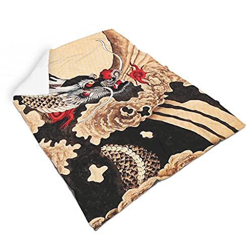 Hothotvery Manta de peluche vintage con diseño de dragón japonés, suave y elegante, para la mayoría de las personas, color blanco, 140 x 180 cm
