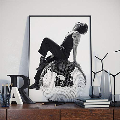 lubenwei British Singer Harry Style Posters Wall Art Decor Picture Modern Home Decor Room Decoration Canvas Poster Painting 40x50cm No frame (WA-2619)