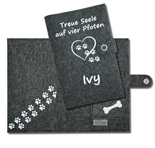 Impfpass Hülle Hund Deluxe/Heimtierausweis Hülle Treue Seele auf vier Pfoten mit Namen des Hundes - mit Verschluss - aus 100% Wollfilz - in deutscher Handarbeit gefertigt -