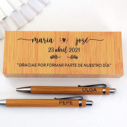 Dos Bolígrafos personalizados junto con caja grabada de madera para testigos de boda o padrinos