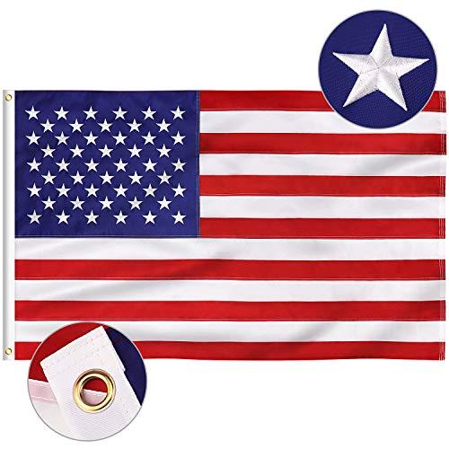 FLAGBURG Amerikanische Flagge 90 x 150 cm USA Fahne mit Eingestickte Sterne, Messingösen, Lebendige Farbe und UV-beständig Hochbelastbares Nylon für Draußen und Drinnen