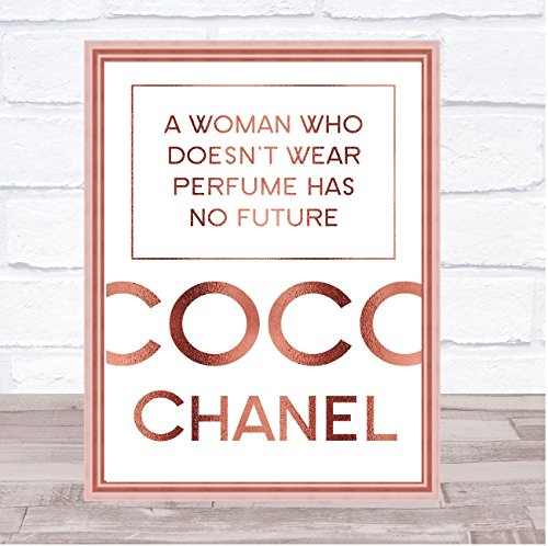 Rose Gold Coco Chanel Een vrouw die niet draagt parfum citaat Wall Art Print Framed White Small