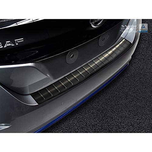 Avisa Protection de seuil arrière inox noir compatible avec Nissan Leaf II 2017- 'Ribs'