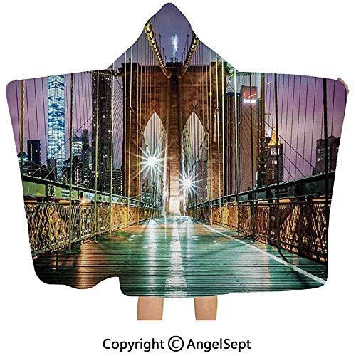 Gustave Tomlinson Mit Kapuze Decke, Brooklyn-Brücken-Fußgängerweg vor Sonnenaufgang-amerikanischem Markstein purpurrotem Brown