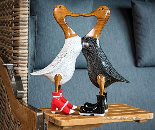 Wohnideen Kupke Handgefertigtes Dänisches Entenpaar aus Naturholz (33cm x 35cm) dekorativ im schwarz/weiß/rotem Outfit mit Gummistiefeln