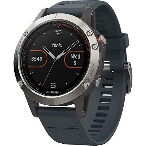 Garmin Fenix 5 - Reloj multideporte con GPS y medidor de frecuencia cardiaca, lente de cristal y bisel de acero inoxidable, 47 mm, Plata/Gris Granito