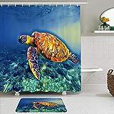 Juego de cortinas y tapetes de ducha de tela,Orilla del mar Tortuga Azul Cartel Snorkeling Seaworld Agua acuática Anim,cortinas de baño repelentes al agua con 12 ganchos, alfombras antideslizantes