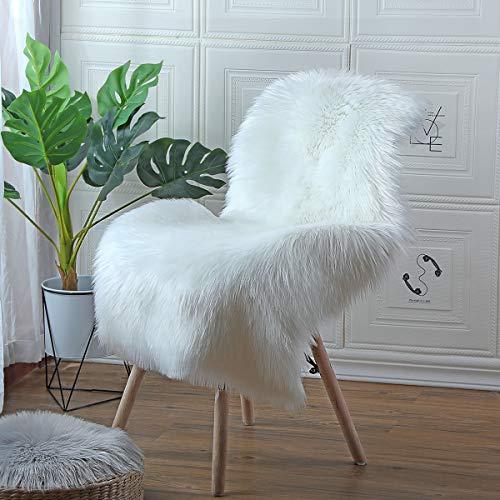 HEQUN Anti-Rutsch Lammfell-Teppich Kunstfell Schaffell Imitat | Wohnzimmer Teppiche Flauschig Lange Haare Fell Optik Gemütliches Schaffell Bettvorleger Sofa Matte (Weiß, 60 X 90 cm)