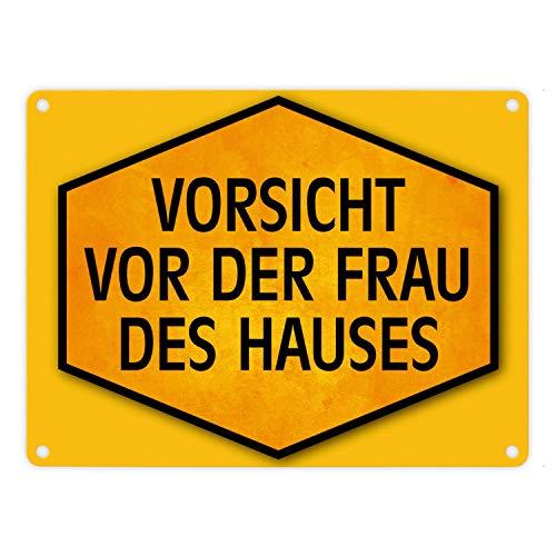 trendaffe - Vorsicht vor der Frau des Hauses Warn- und Hinweisschild in Gelb und Schwarz