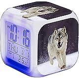 Sunshinelh - Sveglia digitale con funzione snooze, LED a colori, sveglia e sveglia con display LCD, quadrato, con funzione regalo, motivo: lupo (J)