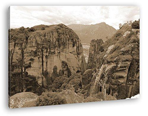 atemberaubende Meteora Landschaft in Griechenland Format: 100x70 Effekt: Sepia als Leinwandbild, Motiv fertig gerahmt auf Echtholzrahmen, Hochwertiger Digitaldruck mit Rahmen, Kein Poster oder Plakat