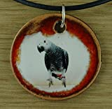 Echtes Kunsthandwerk: Schöner Keramik Anhänger mit einem Graupapagei; Papagei, Kakadu,...