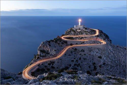 Posterlounge Leinwandbild 100 x 70 cm: Lichtspur zum Leuchtturm am Cap Formentor, Mallorca von Michael Valjak - fertiges Wandbild, Bild auf Keilrahmen, Fertigbild auf echter Leinwand, Leinwanddruck