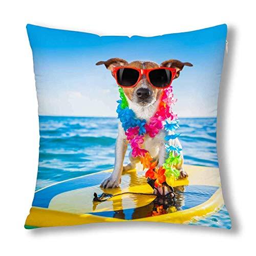 HZLM Funda de almohada decorativa con diseño de perro divertido con tabla de surf y cadena de flores y gafas de sol en el océano, 45 x 45 cm, funda de almohada cuadrada con cierre