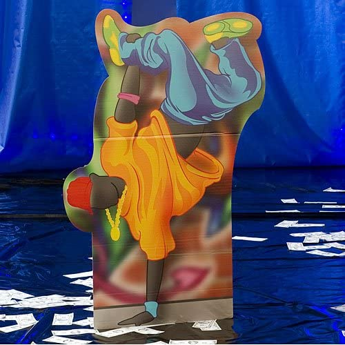 5 ft. 有名な 7 in. Break Dancer Prop Photo Backgr 至高 Standee Standup Booth