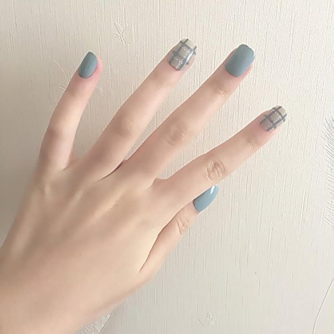恩恵リネンのブルーグレー+白点線 ショートネイルチップ つけ爪 24枚貼り付け爪