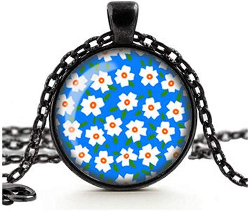 Daisy Flower Necklace, Boho Pendant, White Flowers Necklace, Flowers Pendant, Floral Jewelry, Blue Necklace, Glass Cameo Pendant