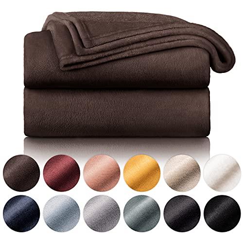 Blumtal Manta de Microfibra Suave y Acolchada: Manta Polar súper Suave, Manta de sofá, Manta de Cama, Colcha o Manta de Sala de Estar, 130 x 150 cm, Marrón Oscuro