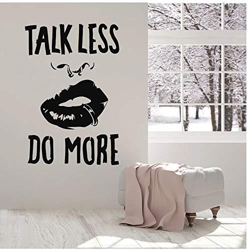 Quote Talk Minder doen Meer Vinyl Muursticker Meisje Lippen Piercing Stickers voor Office Art Muurschilderingen Decor Studie Kamer 37x57cm