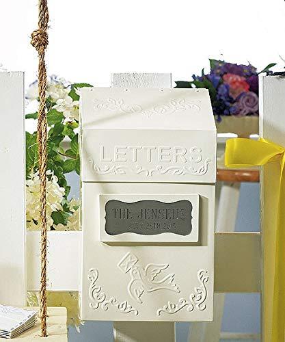 Vasara brievenbus van metaal met enveloppen of wensen voor bruiloft