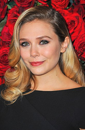 The Poster Corp Elizabeth Olsen at Arrivals for Moma'S 4Th Annual Film Benefit to Honor Pedro Almodovar Photo Print (40,64 x 50,80 cm)