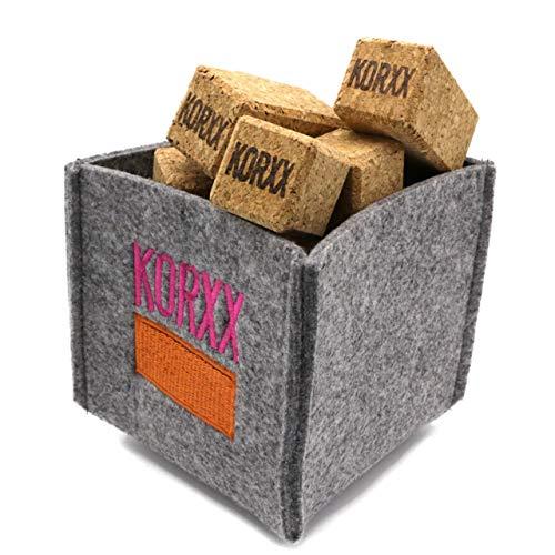 KORXX Brickle die 'Minis' / 17 Bausteine aus Kork / 10 Würfel, 4 kleine eckige Säulen + 3 große eckige Säulen / Maße der Box: 14x13x12 cm