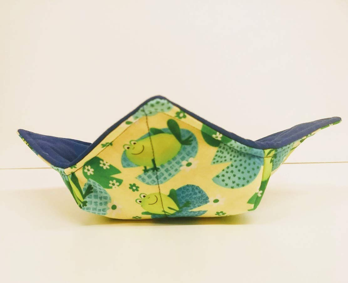 Green Frogs on Lily Popular shop is the lowest price challenge Pad quilted reversible s cotton microwavable New York Mall