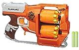 La pistola Zombie Strike Flipfury spara fino a 12proiettili senza necessità di ricaricarla. Dotata di 2tamburi rotanti che contengono 6proiettili ciascuno. Quando un tamburo è vuoto, passa all'altro. Include 12proiettili Zombie Strike.