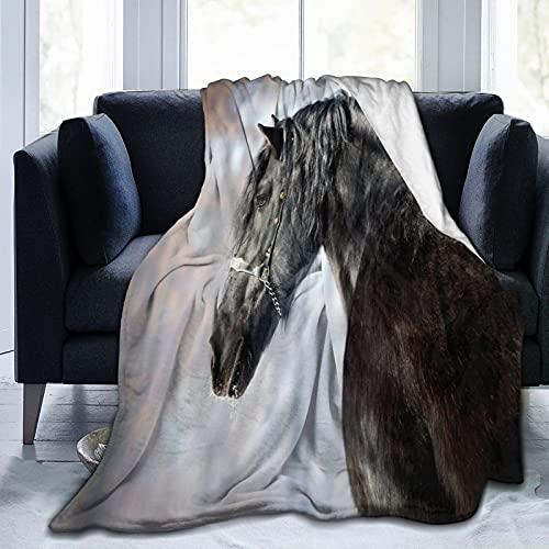 Coperta Flannel in Pile,Profilo di ritratto di stallone nero nella foresta invernale Mammifero frisone di razza Morbido Accogliente per Bambini Ragazzi Adulti Coperta per Letto e Divano 200x150cm