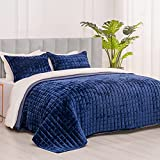 RECYCO Luxury Velvet Quilt Set King Size, Lightweight Oversized Bedspread Coverlet Quilted Bedding Cover, with 2 Matching Pillow Shams, for All Season, Navy Blue