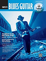 The Complete Blues Guitar Method Complete Edition: Book & Online Audio & Video (Complete Method)(inclure le code téléchargeable)