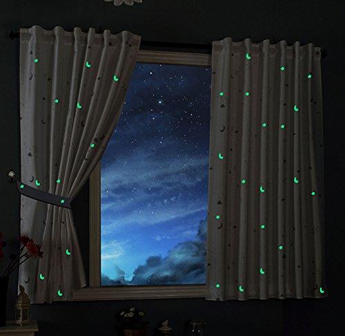 Gardinenbox Vorhang Schal Blickdicht Motiv Sterne Monde fluoreszierend Leuchtend Kinder Kids Schlaufenband Universalband Weiß 2 Stück 175x145 (Höhe x Breite cm), 20495