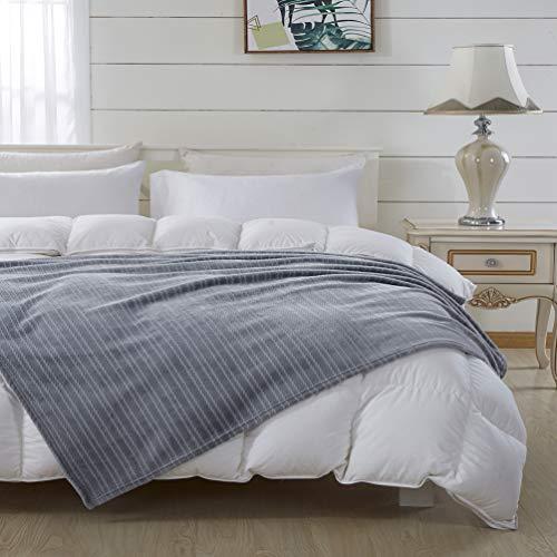 COCOPLAY W Flanell-Fleece-Überwurf, leicht, super warm, weich und gemütlich, Überwurf für Couch, Sofa, Bett, ganzjährig verwendbar (hellgrau, gestreift) (152,4 x 203,2 cm)